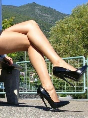 competitive price b7d46 cac86 Scarpe con i tacchi o ballerine - Mo te Lo Spiego a Papà