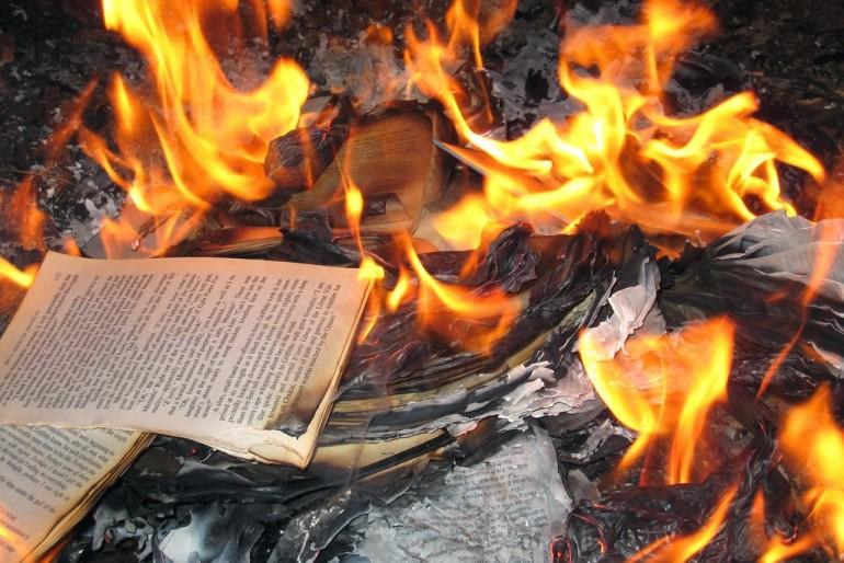"""La protesta dei """"Forconi"""" che volevano bruciare i libri fa rima con…"""